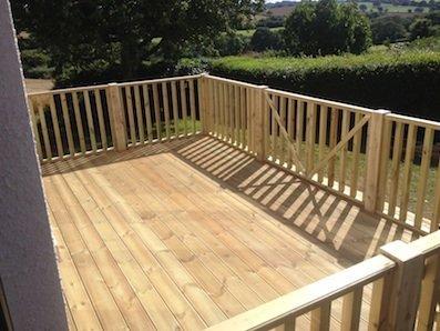 Deck+built+in+Exeter+Devon+-+17+08+2015